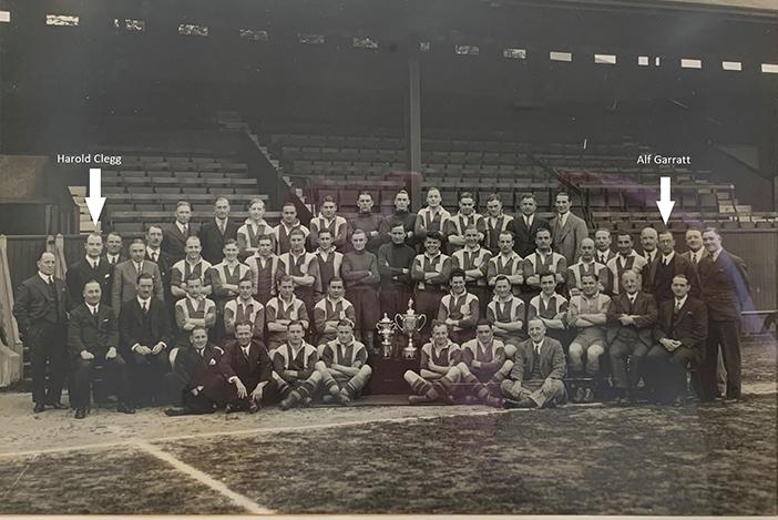 DHFC Group Photo 1933 – 1934 with Clegg & Garratt highlighted (Dulwich Hamlet FC)