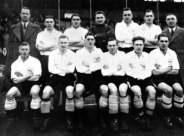 Team Group Fulham 1938-39