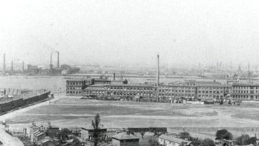 Siemens Factory, Charlton – Circa 1905, with Siemens Meadow, Charlton's first ground at the front. Source: Greenwich Heritage Trust