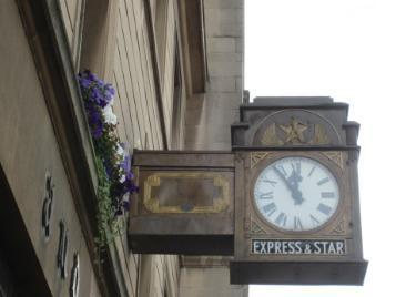 E&S clock 920