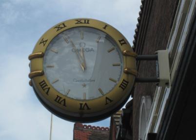 TA Henn clock 920