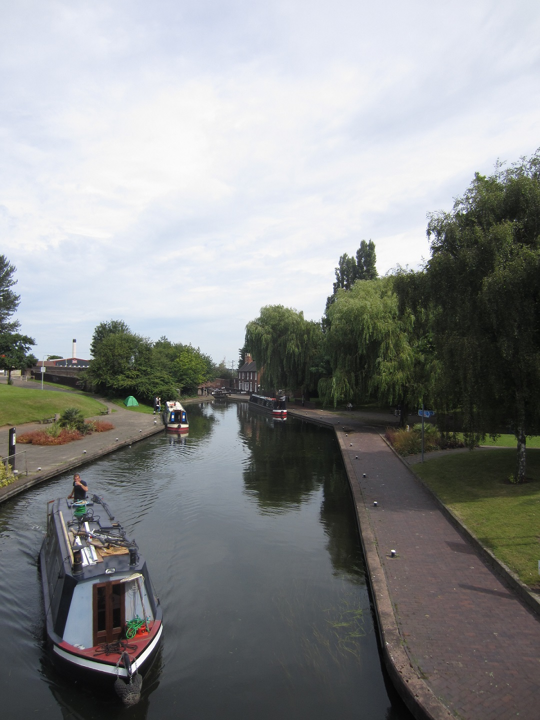 Wolverhampton canal and boat