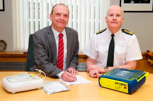 Vice-Chancellor signs official MOU with Dr Marsh from the West Midlands Ambulance Service.
