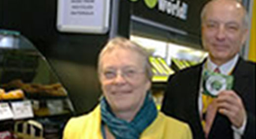 Image of people in the first fairtrade outlet at University in Jan 2008