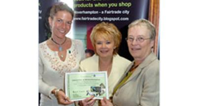 Dr Barbara Gwinnett, Hannah Reed, Mayor Councillor Christine Mills